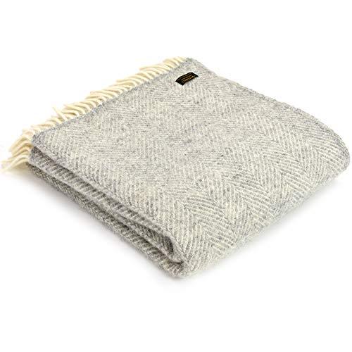 Tweedmill Textiles Kniedecke, Fischgrätenmuster, 100% Schurwolle, hergestellt in Großbritannien, Silbergrau