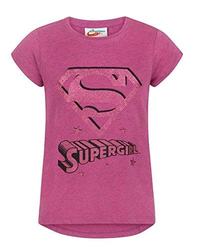 Llamativo de impresi�n de color rosa brillante con el logotipo de Supergirl camiseta de color rosa en un cuello redondo y el estilo de manga corta con bajo asim�trico, Reino Unido dimensionamiento 97% algod�n, 3% Polyester Supergirl mercanc�a con lic...