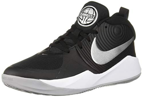 Nike Team Hustle D 9 (GS), Basketball Shoe, Black/Metallic Silver-Wolf Grey-White, 38 EU