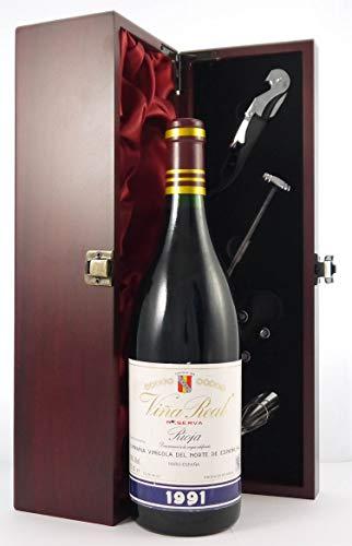 Rioja Reserva 1991 Vina Real CVNE en una caja de regalo forrada de seda con cuatro accesorios de vino, 1 x 750ml