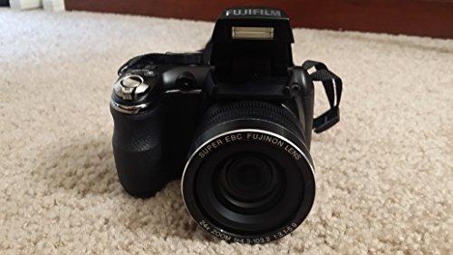 FUJ600011995 - Fuji FinePix S4200 Digital Camera Bundle