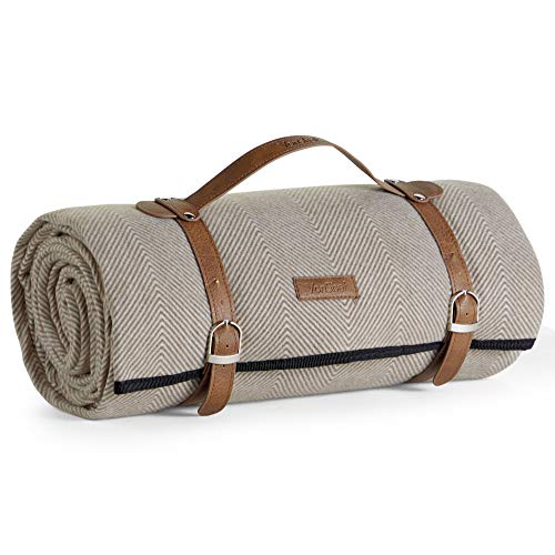 VonShef Picnic Blanket Extra Large Outdoor Picnic Blanket with Waterproof Lining and Faux Leather Carrier Handle Beige Herringbone Family Size Blanket 200 x 220cm