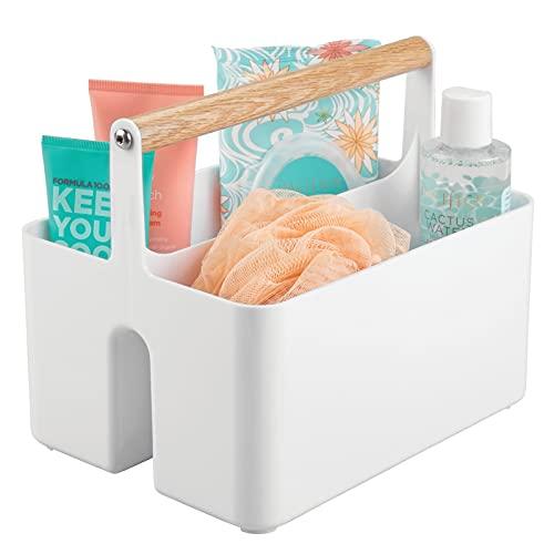 mDesign Cajas organizadoras para baño – Cajas de plástico con asas de madera para el almacenamiento de productos cosméticos – Organizador de baño con dos compartimentos – blanco/color roble