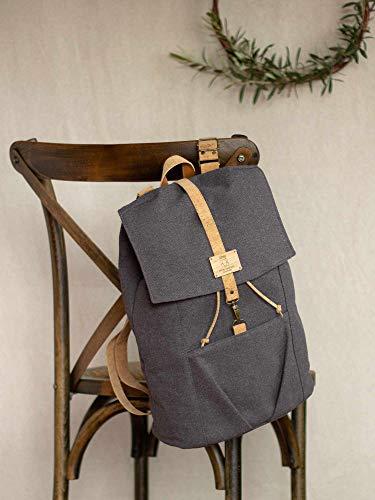 Umweltfreundlicher Rucksack, aschebrauner Öko-Rucksack, nachhaltiger Rucksack für einen Naturschützer, lässig arbeitender Öko-Rucksack