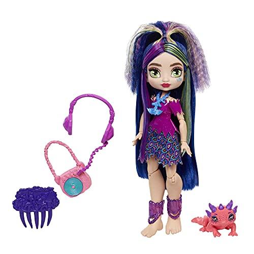 Cave Club Lumina, muñeca con accesorios de juguete para el pelo y de moda, incluye mascota (Mattel GXM14)
