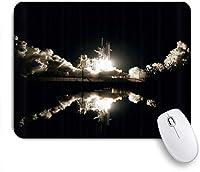 KAPANOUマウスパッド ロケット航空宇宙コスモスエクスプロイト発射サイト白熱風の長い炎が湖の暗い夜に映る ゲーミング オフィ良い 滑り止めゴム底 ゲーミングなど適用 マウス 用ノートブックコンピュータ