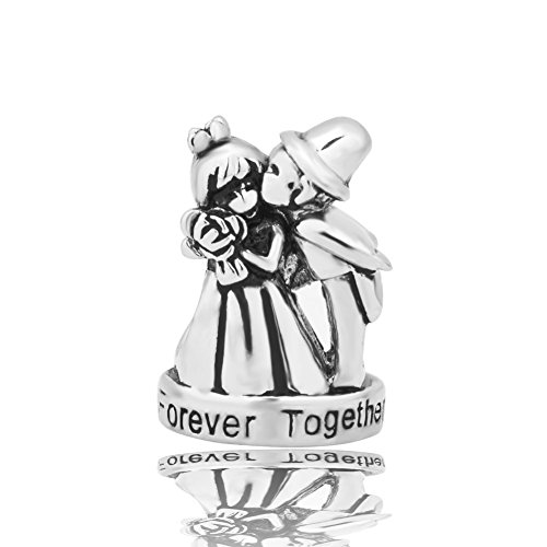 Korliya - Perlina charm con pendente con sposini, tema matrimonio, con incisione in lingua inglese 'Forever Together', per braccialetti