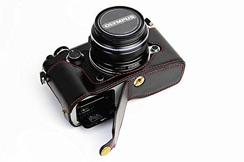 Apertura inferior Versión protección PU medias de la cubierta del bolso del caso de la cámara con trípode Diseño para Olympus PEN-F con la mano la correa de cuero Negro