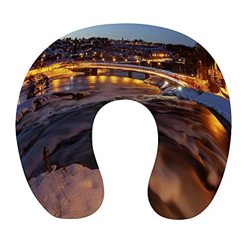 CIKYOWAY Almohada Viaje,Ciudad de Kongsberg en Noruega Fotografía Nocturna de Larga exposición,Espuma de Memoria cojín de Cuello,Almohadas de Acampada,Soporte de Cuello para Viaje Coche