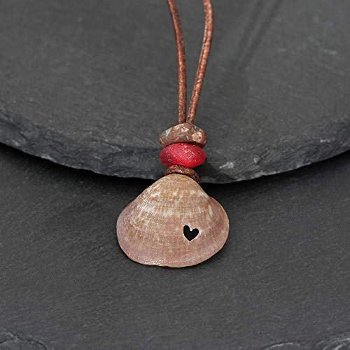 Salzwasserherz - Kette Muschel mit Herz, graviert, Glasperle in Rot