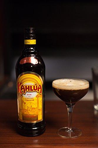 Kahlúa Coffee-Likör – Aromatischer Kaffee Likör mit Noten von Karamell & Vanille – Ideal pur, in Kaffeeheißgetränken oder Cocktails wie White Russian – 1 x 0,7 L - 6