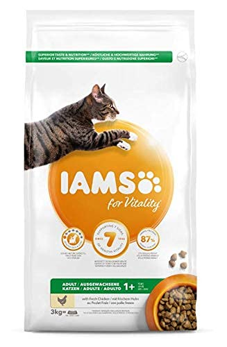 IAMS Adult Dry Cat Food with Fresh Chicken, 3Kg