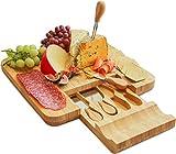 Harcas - Juego de cuchillos y tabla de queso de bambú para servir queso, galletas, salami y alimentos (33 x 33 x 3,5 cm)