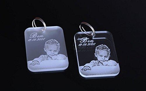 CHRISCK design Schlüsselanhänger aus Acrylglas mit Fotogravur Dog Tag Gravur Partner-Liebes-Geschenk Freundinnen Geschwister Geschenkidee zum Vatertag Foto Vatertagsgeschenk