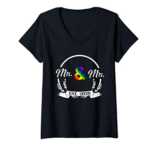 Womens Newlywed Just Married Lesbian Wedding Mrs and Mrs Est 2020 V-Neck T-Shirt