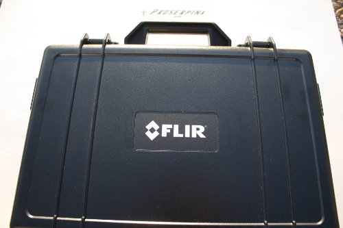 FLIR i7: Compact Thermal Imaging Camera with 120 x 120 IR Resolution