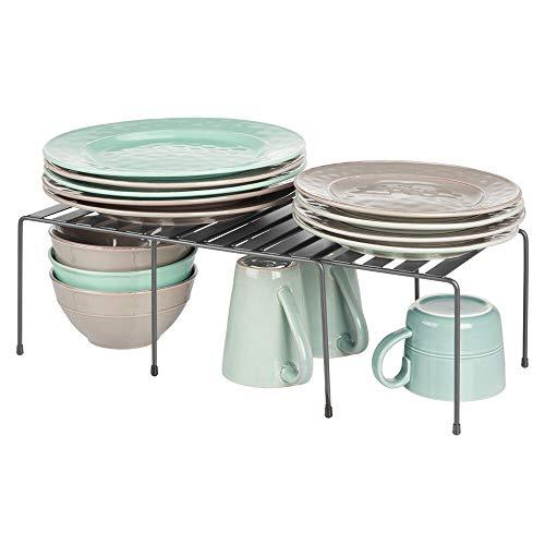 mDesign Juego de 2 repisas ajustables para armarios de cocina – Práctica balda extensible de metal para ampliar el espacio de guardado – Estante para platos antideslizante – gris