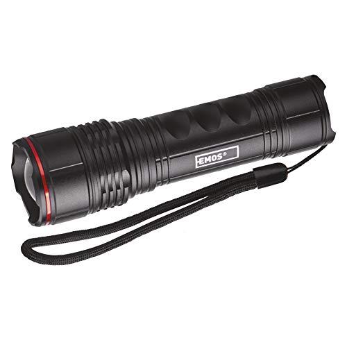 EMOS Linterna LED de metal impermeable con correa de mano, IP44 ultraligera con 3 modos de luz, brillo de 330 lúmenes, alcance de 120 m, autonomía de hasta 27 horas.