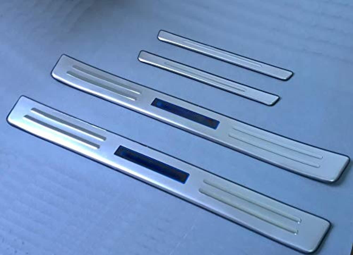 Stainless Steel LED blueee Light Welcome Pedal Door Sill Cover Scuff Plate Trim for Toyota Highlander 2012 2013 2014