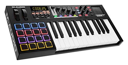 M-Audio Code 25 - USB MIDI Controller mit 25 anschlagdynamischen Tasten, 16 anschlagdynamischen Trigger Pads und einem vollen Paket an Production/Performance Ready Steuerungen