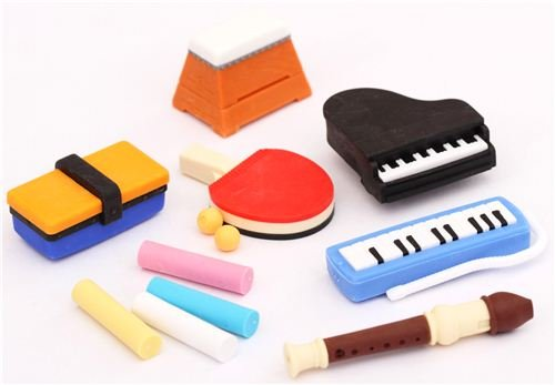 Set 12 gomas de borrar útiles escolares deporte música de Iwako Japón