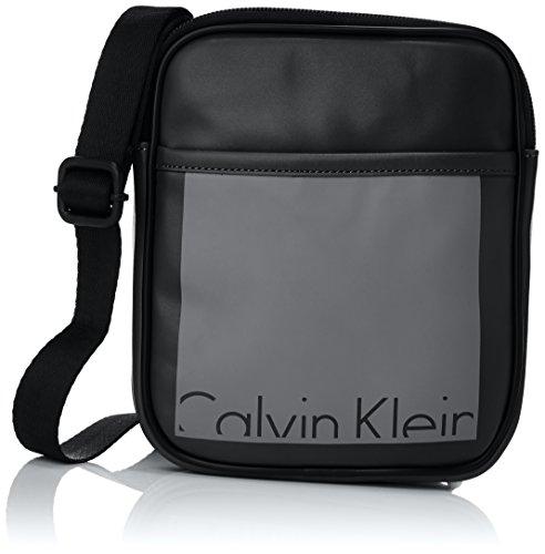 Calvin Klein Jeans Herren Cruise Mini Flat Crossover Umhängetaschen, Schwarz (Black/Castlerock 908), 19x21x4 cm