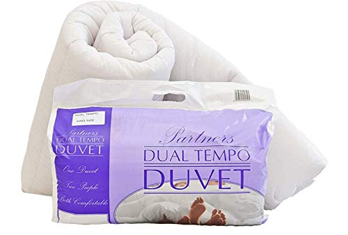 His and Hers Dual Tempo Super Soft Partners Duvet Quilt - 9 & 4.5 Tog - King Size 230cm x 220cm (90' x 86' approx) - Made in the UK - Ideal for Couples – 2 Tog Duvet with 50/50 Split Tog
