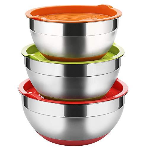 Regiller - Juego de 3 cuencos de acero inoxidable para mezclar y preparar comidas saludables con tapas, base de silicona colorida y antideslizante, acabado de espejo pulido, 2,5 – 3,5 – 4,2 qt