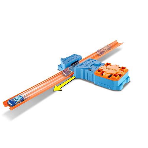 Hot Wheels GBN81 Track Builder Booster Pack Spielset, Beschleuniger mit 2 Tracks und 1 Spielzeugauto, Trackset Zubehör, ab 6 Jahren