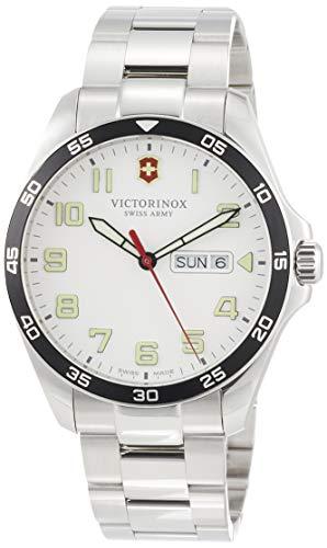 Victorinox heren Field Force - Swiss Made analoog kwarts roestvrij stalen horloge met dag / datum 241850