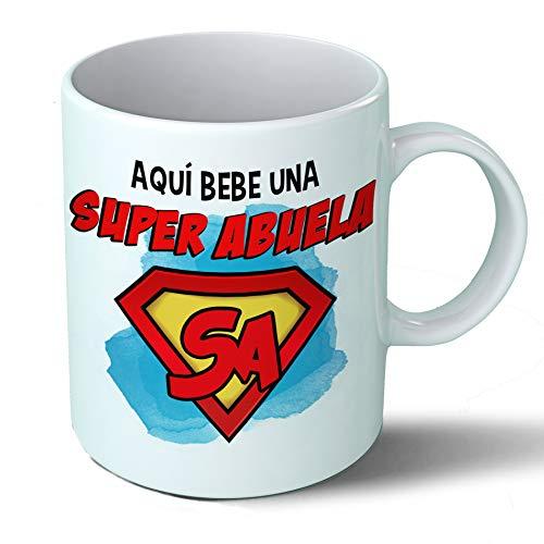 Planetacase Taza Abuela - Aquí Bebe Una Super Abuela - Regalo Original Abuelas Superabuela Familia Taza Desayuno Café Ceramica 330 mL