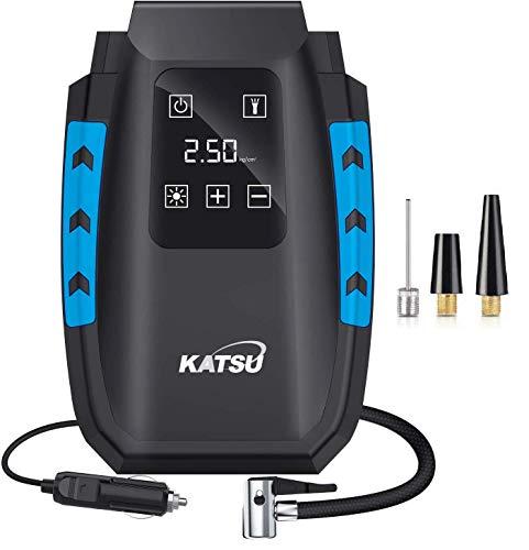 KATSU Compressore Aria Portatile Digitale Mini Pompa Elettrica per Gonfiare Pneumatici delle Auto, Moto, Palle, con Spegnimento Automatico + Luce a LED + 3 Ugelli di Gonfiaggio