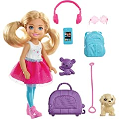 Send curious minds around the world with Chelsea doll and a travel-themed set inspired by Barbie Dreamhouse Adventures that comes with a puppy for a travel companion, a pet carrier and colorful travel-themed pieces! Chelsea doll's purple pet carrie...