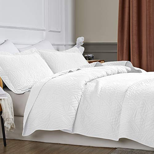 BEDELITE Quilt Set for Queen Bed Lightweight Bedspreads, White Full Size Quilt Bedding Set,Soft Microfiber Leaf Pattern Coverlet - Summer Quilt 3 Pieces (1 Quilt 90x96 inches, 2 Pillow Shams)