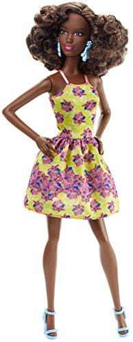 Barbie DGY65 Fashionistas - Bambola con Abbigliamento Giallo/Viola