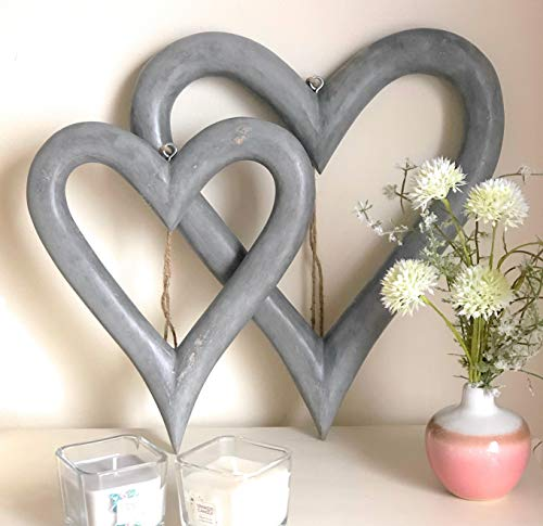 Retreat Set of 2 Large Rustic Grey Wooden Hanging Hearts #14SS35