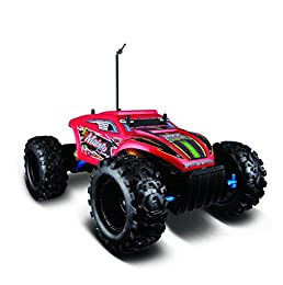 Front and rear articulated suspension, perfect for rugged off-road action 3 powerful motors, two for driving and one for steering Tri-channel transmitter allows for three people to play simultaneously with their other Maisto radio control vehicles Li...