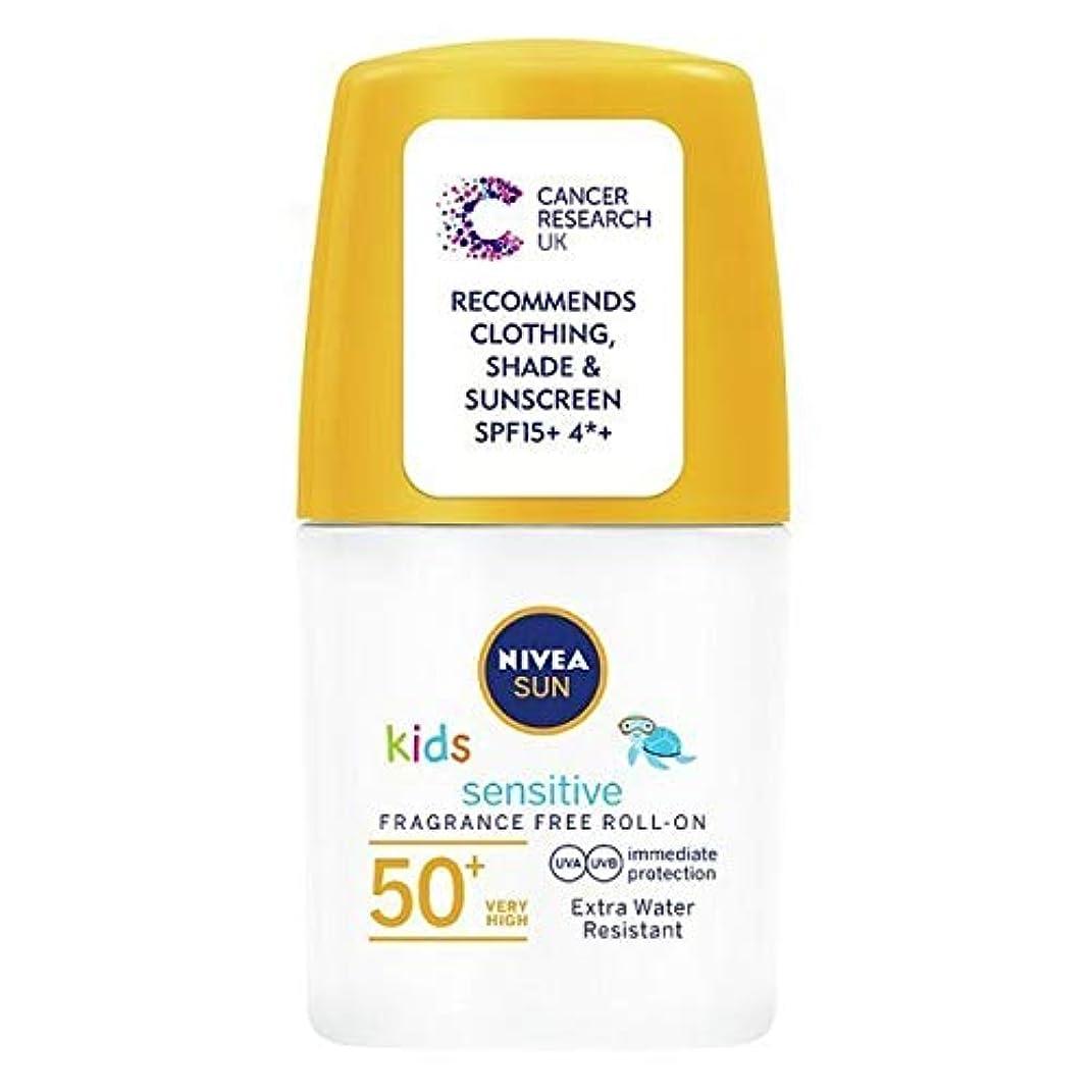 中庭少ない弾薬[Nivea ] ニベアの太陽の子供たちは、ロールオンSpf 50+敏感肌の50ミリリットルを日焼け止めクリーム - NIVEA SUN Kids Suncream Roll-On SPF 50+ Sensitive Skin 50ml [並行輸入品]