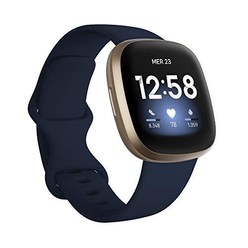 Fitbit Versa 3 - Smartwatch per benessere e forma fisica con GPS integrato, rilevazione continua del battito cardiaco, assistente vocale e durata della batteria oltre 6 giorni
