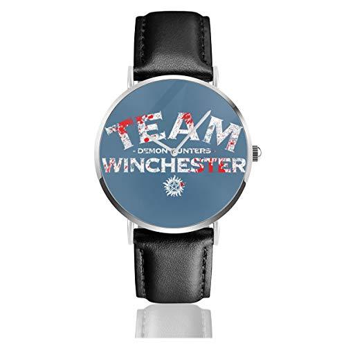 Unisex Business Casual Supernatural Demon Jäger Team Winchester Uhren Quarz Leder Armbanduhr mit schwarzem Lederband für Männer Frauen Junge Kollektion Geschenk