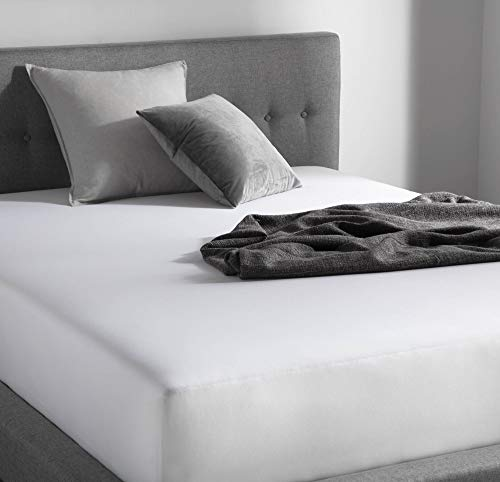 WEEKENDER 200 Thread Count Hotel Fitted Sheet-Cotton Rich Blend-White-Twin XL