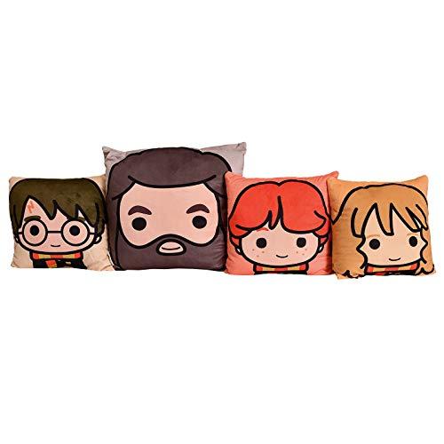Elbenwald Harry Potter Kissen Set 4-TLG Harry Hermine Ron Hagrid Chibi Style 30x30cm und 40x40cm