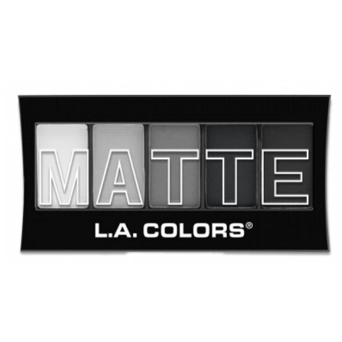 忘れっぽい亜熱帯抜け目がない(3 Pack) L.A. Colors Matte Eyeshadow - Black Lace (並行輸入品)