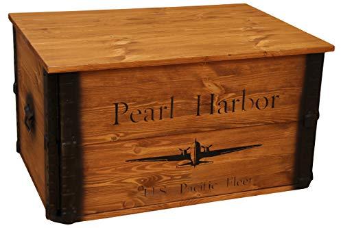 Uncle Joe´s Truhe Pearl Harbor Couchtisch Truhentisch im Vintage Shabby chic Style aus Massiv-Holz in braun mit Stauraum und Deckel Holzkiste Beistelltisch Landhaus Wohnzimmertisch Holztisch nussbaum