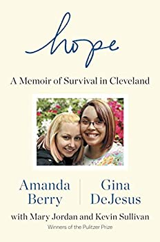 Paperback Hope : A Memoir of Survival in Cleveland Book
