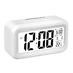 Flow.month Digital Alarm Clock, Battery Operated Long Battery Life Alarm Clock, Back Light/Large Digit Display/Snooze Function/Electronic Alarm Clock for Kids/Bedroom/Heavy Sleepers/Travel-White