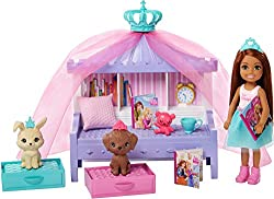 Dolls and playsets inspired by Barbie Princess Adventure transport young dreamers to a faraway land where imagination reigns! This Chelsea princess storytime playset includes Chelsea doll in a princess fashion, 2 pets and a canopy bed fit for royal...
