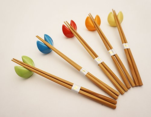Wooden Chopsticks with Fortune Cookies Chopsticks Rest 5 Pair Assorted Colors Chopsticks Set Dining Table Starter Kit Beautiful Gift Item Nicely Packaged