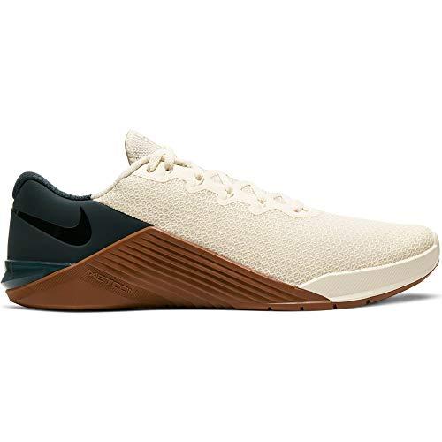 Nike Metcon 5, Zapato de Tribunal Interior para Hombre, Pale Ivory/Black/Seaweed/Lt BR, 40.5 EU