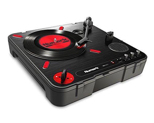 Numark PT01 Scratch - tragbarer DJ-Plattenspieler mit auswechselbarem Scratch-Switch, eingebautem Lautsprecher, Stromversorgung über Batterie / Netzteil, 3 Geschwindigkeiten und USB-Verbindung